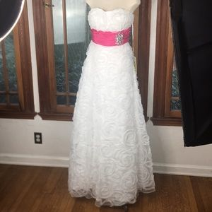 Beautiful white formal dress prom quinceanera